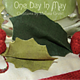 Deck the Halls Table Runner ~ holly detail